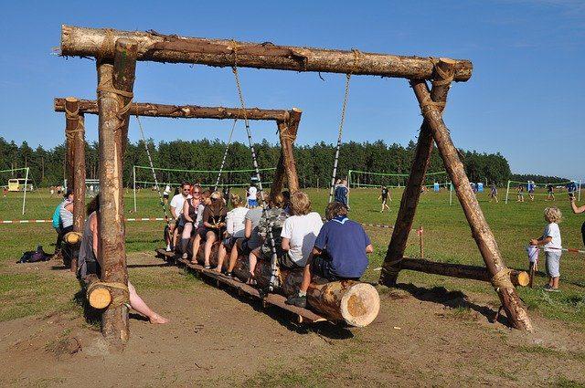 Programa de juegos para campamentos