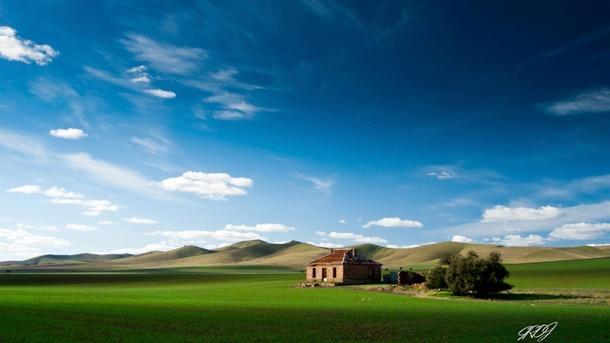 Fondo de casa en la pradera