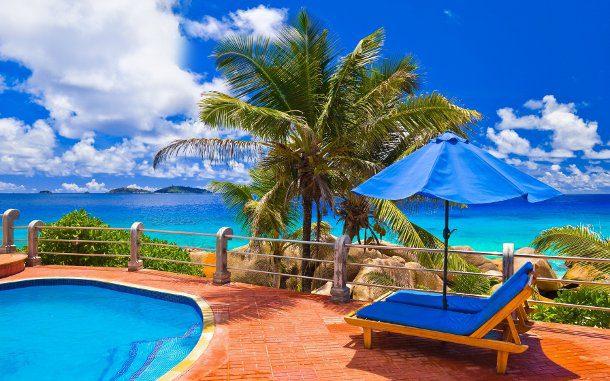 piscina cerca de la playa