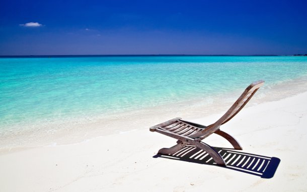 Paisaje de playa de arena blanca