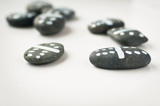 Juegos al aire libre - Domino con rocas