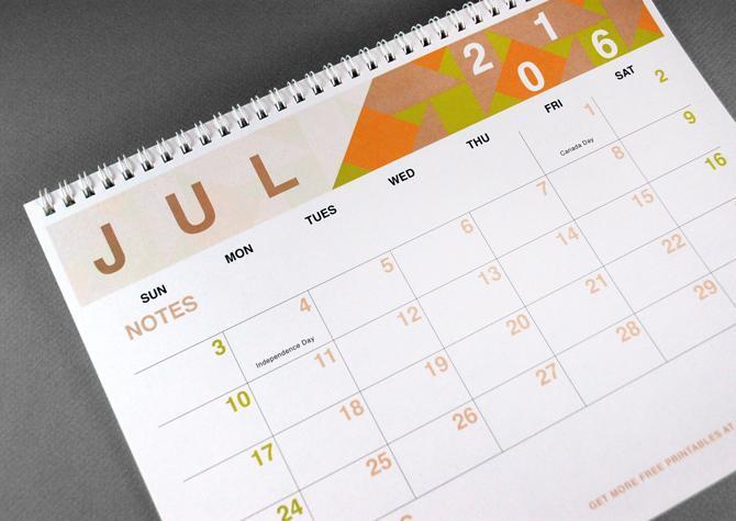 Calendario a colores para crear un cuadernillo 2016
