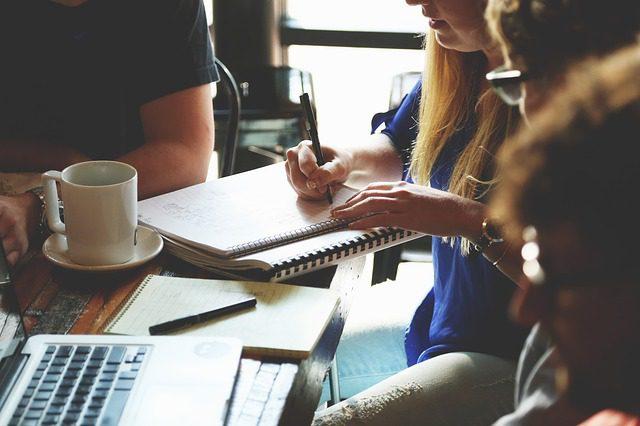 Establecer una fecha límite para mejorar la gestión de proyectos